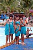 他们是享用和愉快的在游泳池 免版税库存照片