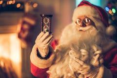 他的住所的圣诞老人 免版税库存照片