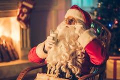 他的住所的圣诞老人 库存图片