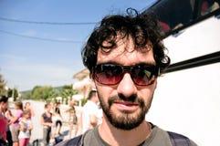 他的太阳镜的新游人 图库摄影