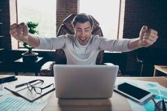 他的画象他好的有吸引力的快乐的爽快激动的行政伙伴公司创建者主任金钱预算 免版税库存照片