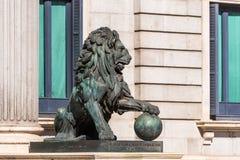 代理的狮子国会的雕象在马德里,西班牙 特写镜头 库存照片
