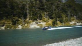 令人兴奋的喷气机小船乘驾在新西兰 股票视频
