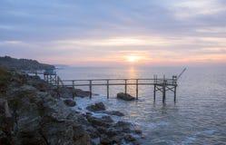 令人惊讶的天堂日出在南特附近的大西洋在法国 免版税库存图片