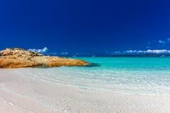 令人惊讶的Whitehaven靠岸与在Whitsunday Islan的白色沙子 库存图片