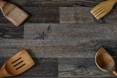 以前使用了并且是的木食物存贮罐子 图库摄影