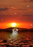 以后的航行星期日船 免版税图库摄影