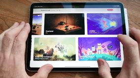 以拱廊电子游戏订阅服务为特色的苹果电脑网站 影视素材