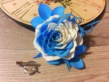 以玫瑰的形式别针 库存照片