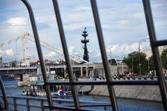 以纪念俄国海军的300th周年的纪念碑 免版税图库摄影
