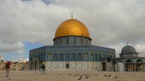 以色列耶路撒冷 2017年5月 在岩石圆顶的云彩在圣殿山的在耶路撒冷耶路撒冷旧城  股票录像