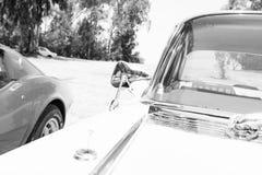 以色列, PETAH TIQWA - 2016年5月14日:技术古董的陈列 卡迪拉克de Ville正面图汽车在Petah Tiqwa,以色列 免版税库存图片