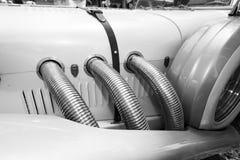 以色列, PETAH TIQWA - 2016年5月14日:技术古董的陈列 老减速火箭的汽车侧视图在Petah Tiqwa,以色列 库存照片