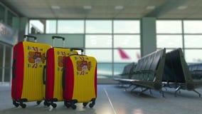以西班牙的旗子为特色的旅行手提箱 西班牙旅游业概念性动画 股票视频