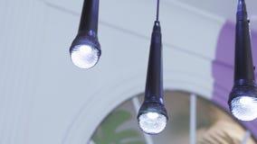 以话筒的形式灯 影视素材