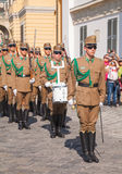 仪仗队在总统府的在布达佩斯 免版税库存照片