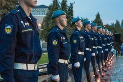 仪仗队的年轻军校学生 库存图片