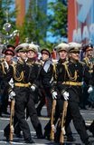 仪仗队的战士一个分开的指挥官` s变貌军团的在一次军事游行的 免版税图库摄影