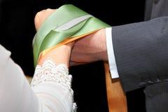 仪式handfasting的婚礼 库存图片