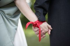 仪式handfasting的婚礼 库存照片