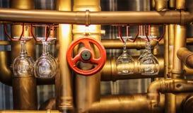 仿照steampunk样式的酒吧柜台 图库摄影