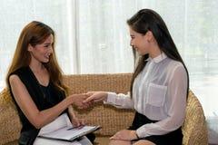 企业二妇女 免版税库存图片