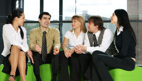 企业交谈小组年轻人 库存照片