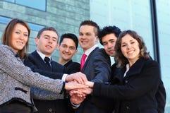 企业人员六个聪明的小组年轻人 图库摄影