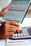 企业分析财务数据的概念手 免版税库存照片