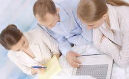企业同事一起小组会议 免版税库存照片