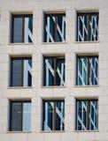 企业大厦的门面的细节在法兰克福,德语 库存照片
