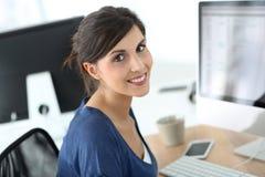 企业女孩在工作 免版税库存图片