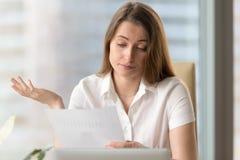 企业家让烦恼由于低财务成果 免版税库存照片