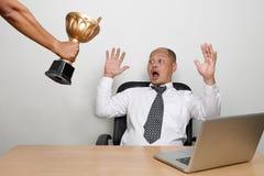 年轻企业家震惊 免版税库存图片