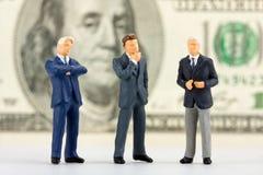 企业小雕象成功的小组 免版税图库摄影