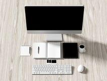 企业工作场所设置桌的大角度看法  免版税图库摄影
