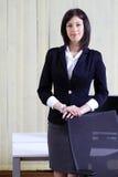 企业总公司纵向妇女 免版税库存照片