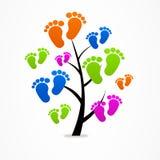 企业抽象树婴孩追踪商标 库存照片