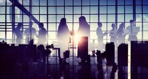 企业握手合作协议中东概念 免版税库存图片