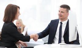 企业握手妇女商务伙伴的特写镜头 企业概念 免版税库存照片