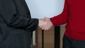 企业握手的特写镜头 影视素材