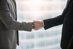 企业握手,特写镜头 免版税库存照片
