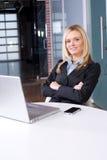 企业服务台她的妇女 免版税图库摄影