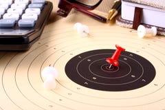 企业概念-集合目标和胜利与红色别针 免版税库存照片