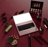 企业模板的嘲笑 化妆品 免版税库存图片