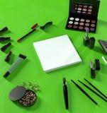企业模板的嘲笑 化妆品 免版税库存照片