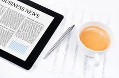 企业现代新闻个人计算机片剂 免版税库存照片