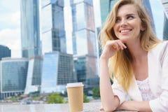 企业确信的妇女年轻人 库存图片