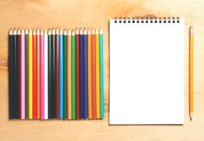 企业精华 螺旋空白的笔记本顶视图  免版税库存图片