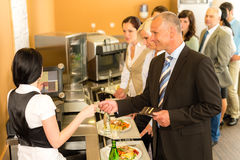 企业自助餐厅看板卡出纳员信用调查员工资 免版税库存照片